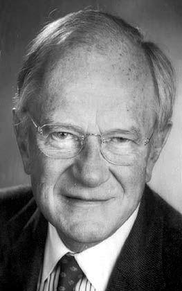 Curt Glover Engelhorn, Jahrgang 1926, leitete 36 Jahre lang Boehringer Mannheim (später Corange) und formte aus dem Mittelständler einen Weltkonzern. Er war von 1964 bis 1970 Präsident des Bundesverbandes der Pharmazeutischen Industrie.
