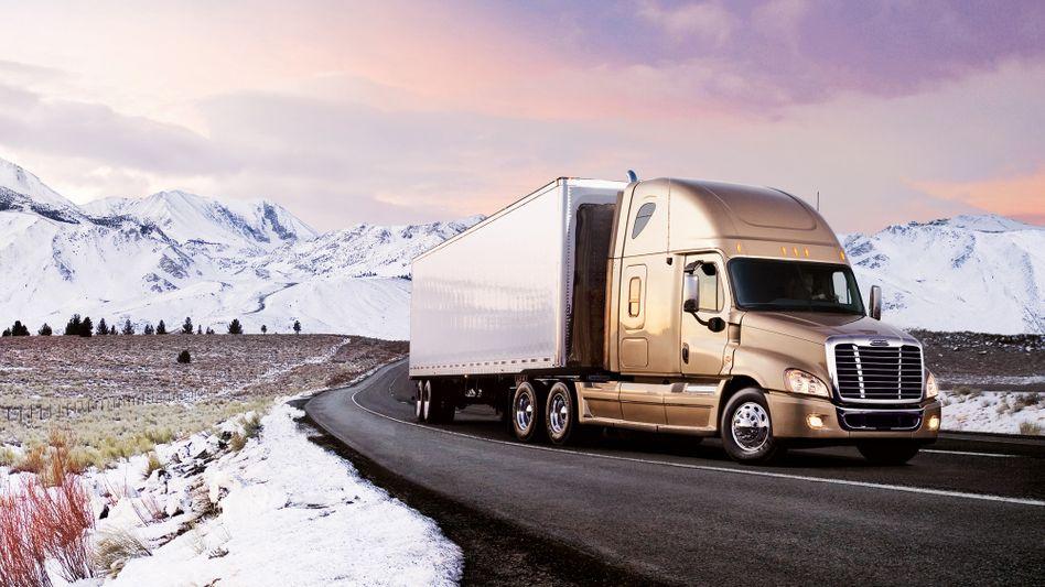 König der Rockies: Der Daimler-Freightliner-Truck Cascadia ist Jerome Guillens wohl größter kommerzieller Erfolg - vor dem Tesla Model S