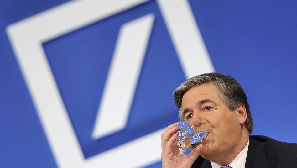 Deutsche-Bank-Chef Ackermann: Der mögliche Kronprinz Anshu Jain soll für 2010 zwölf Millionen Euro erhalten