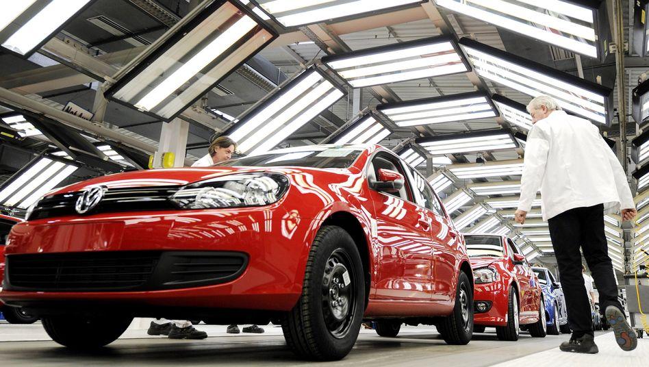 Golf-Produktion in Wolfsburg: Motoren für Nordamerika will Volkswagen künftig in Mexiko herstellen