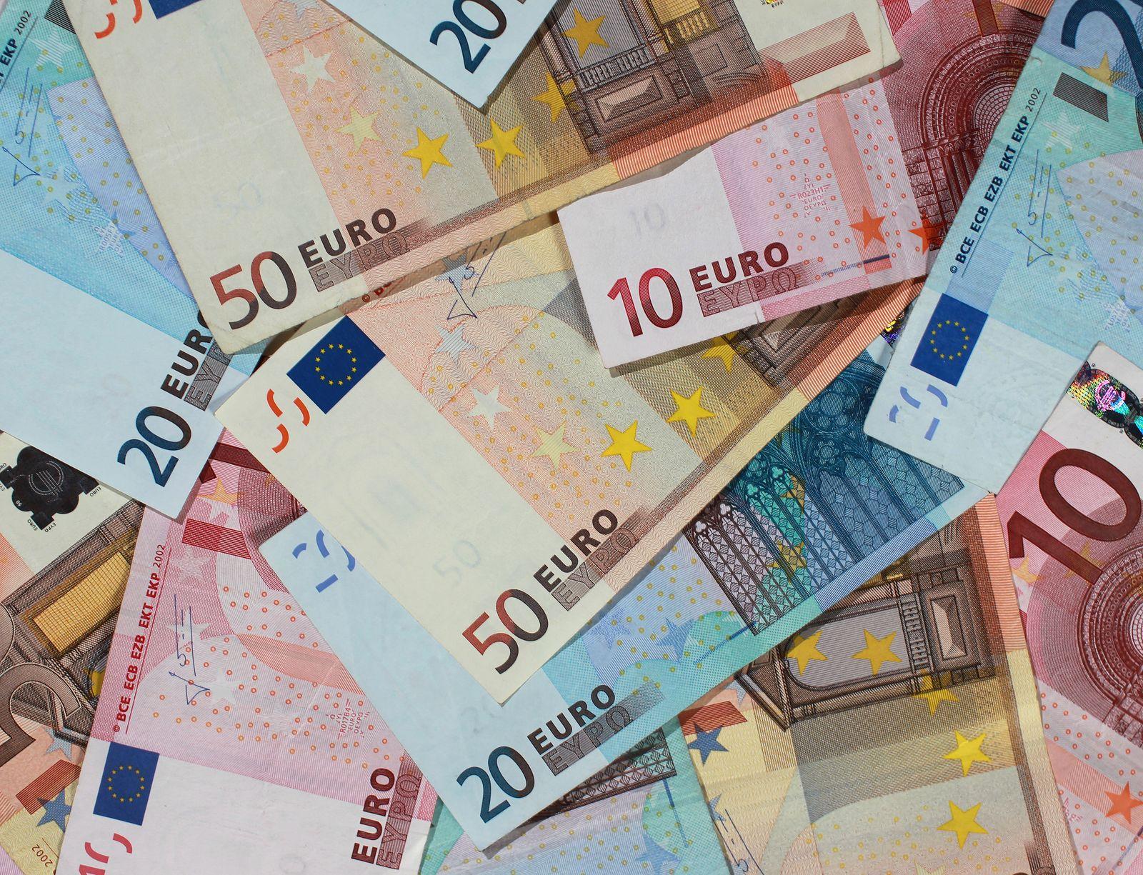 Euroscheine / Geld / Gedscheine