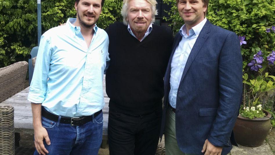 Kreative Zerstörer unter sich: Richard Branson mit den Transferwise-Gründern Taavet Hinrikus (l) und Kristo Käärmann