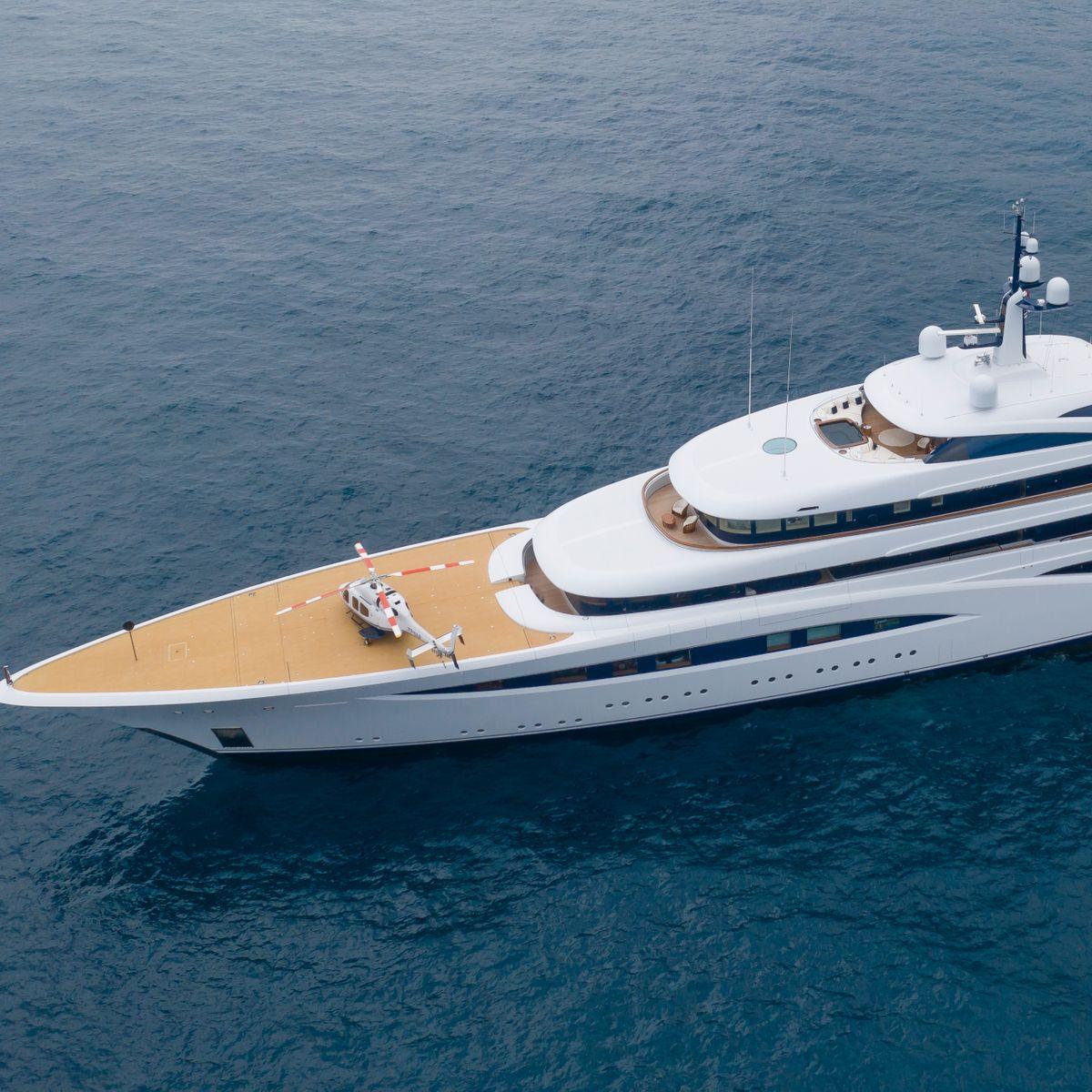 Yachten: Die besten Luxus Yachten der Mode Promis Hilfiger und Armani -  manager magazin
