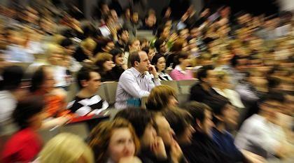 Grundsatzentscheidung: Studieren mit Massen oder in kleinen Lerngruppen