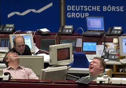 Gute Laune in Frankfurt: Nach den deutlichen Kursverlusten in der vergangenen Wochen haben Dax & Co. am Montag einen Teil ihrer Verluste wieder wettgemacht