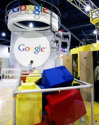 Fröhlich-bunte Erscheinung: Google-Stand auf der Consumer Electronics Show 2006