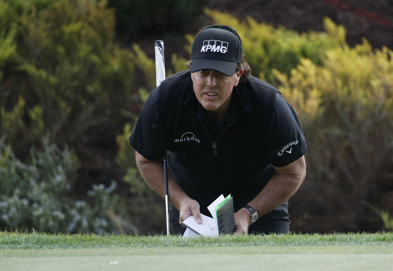 Woods Mickelson Match Golf