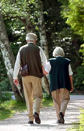 Gleiche Tarife: Ab 2006 dürfen Frauen bei der Rente nicht schlechter gestellt werden als Männer