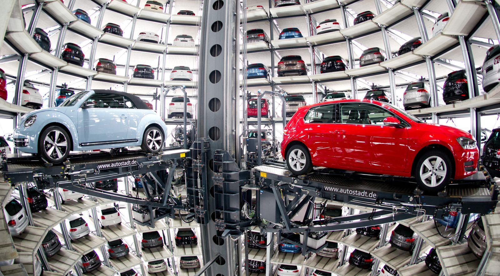 VW Kraftfahrtbundesamt ordnet Rückruf an