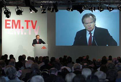 Der Umsatz soll in 2005 mindestens um einen einstelligen Prozentsatz wachsen: Vorstandschef Werner Klatten bekräftigte seine Prognose