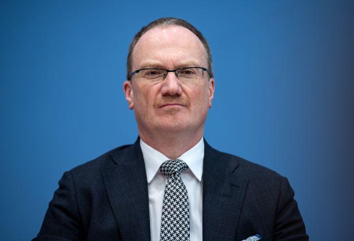 """Wirtschaftsweiser Lars Feld: """"Kein Freibier für alle"""""""