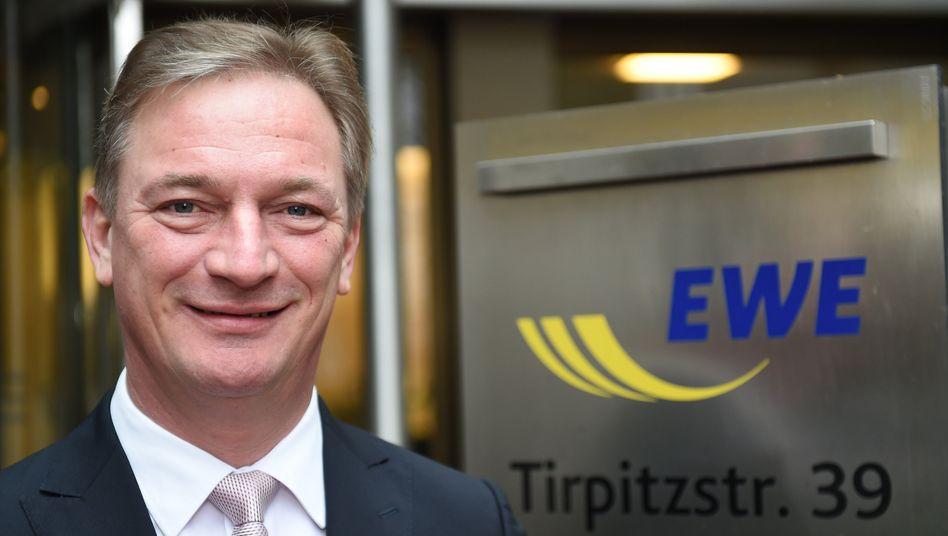 EWE-Chef Matthias Brückmann: Der Manager steht wegen einer Spende aus dem Firmenvermögen des fünfgrößten deutschen Energieversorgers vor dem Aus