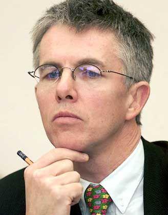 Thomas Straubhaar (48) ist Direktor des Hamburgischen Weltwirtschaftsinstituts (HWWI). Der profilierte Migrationsforscher ist gebürtiger Schweizer. Er lebt und arbeitet seit 1990 in Deutschland.