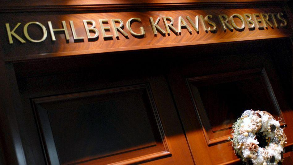 Schriftzug an KKR-Niederlassung: Die Private-Equity-Firma bleibt in Europa auf Einkaufstour.