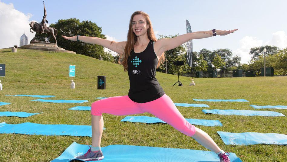 Fitness-Tracker von Fitbit messen alle möglichen Funktionen wie Kalorienverbrauch, zurückgelegte Strecke oder auch den Herzschlag