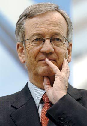 Nachdenklich: Ex-Siemens-Chefkontrolleur von Pierer steht unter Druck