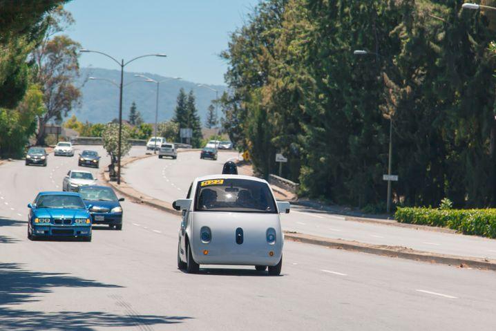 Selbstfahrendes Auto von Google: Der Konzern ist vor allem an Fahrdaten interessiert- und verfolgt so ein völlig anderes Geschäftsmodell als die traditionelle Autobranche