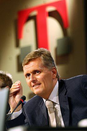 Telekom-Chef Ricke überrascht die Experten