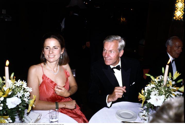 Glamour-Paar: Zu Anfang seiner Unternehmerkarriere in den 80ern zeigte sich August von Finck gern mit Ehefrau Francine in der Öffentlichkeit.