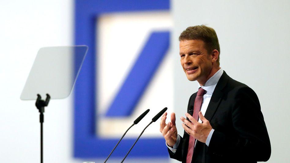"""Deutsche-Bank-Chef Christian Sewing: """"In schwierigem Umfeld die Kosten gesenkt und die Erträge gesteigert"""""""