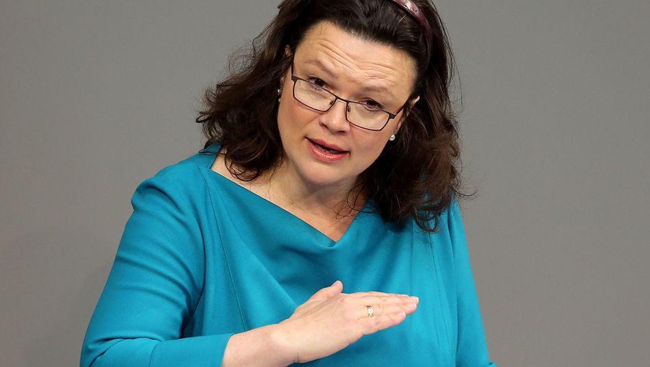 Bundesarbeitsministerin Andrea Nahles: Die Bundesregierung möchte zur Tarifeinheit zurückkehren - das neue Gesetz soll jedoch nicht in das Streikrecht eingreifen