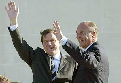 """Bundeskanzler Schröder, Frankreichs Staatspräsident Chirac: """"Die Kooperation ist mit Ausnahme der Unternehmenspolitik gut"""""""