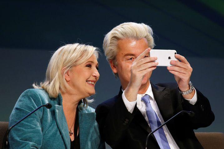 Man kennt sich, man verträgt sich: Geert Wilders (r) in den Niederlanden verunsichert die Anleger bislang weniger als sein französisches Pendant