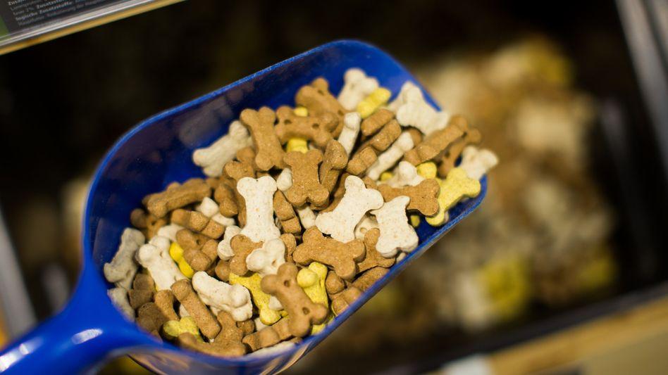 Hundefutter: Der Onlinehändler für Tierbedarf ist stark umworben und profitiert davon, dass sich in der Corona-Pandemie viele Menschen Haustiere zugelegt haben