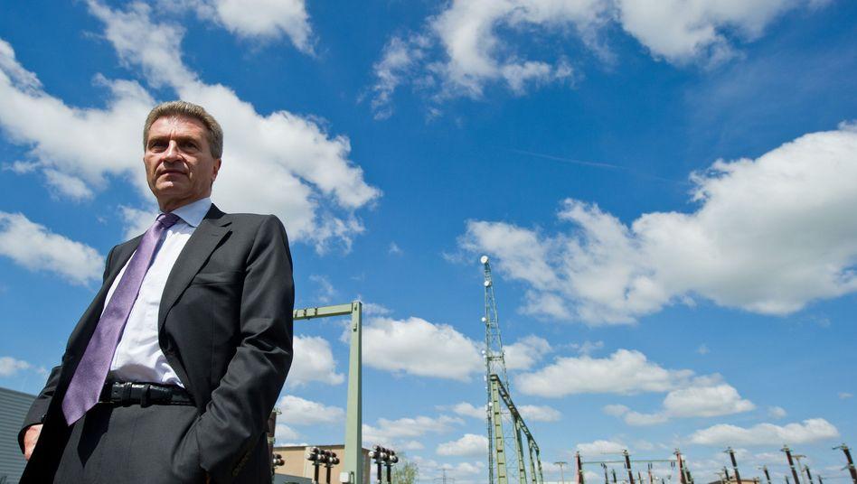 """EU-Energiekommissar Oettinger: """"Die Behörden schaffen es nicht, ausstehende Steuern einzutreiben oder Staatsbesitz zu verkaufen"""""""
