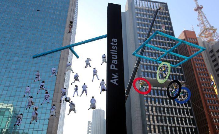 Stimmungsaufheller: Olympiafeier in Sao Paulo - die brasilianische Wirtschaft schrumpft wie im Vorjahr