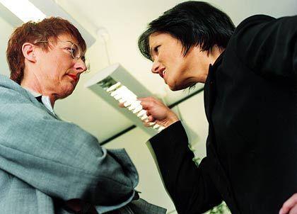 Vergiftestes Betriebsklima: Die Kollegen sieht man länger im Leben als den Partner
