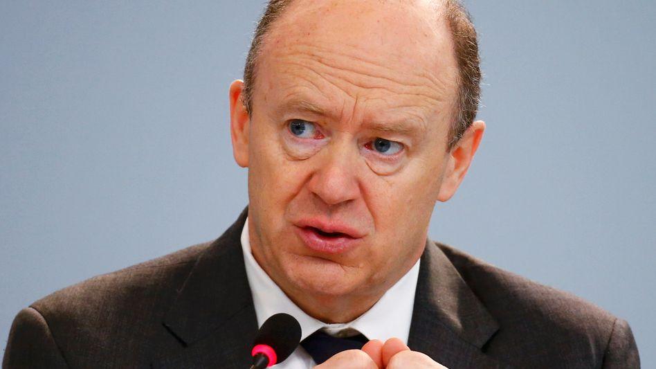 Deutsche Bank Chef John Cryan: Sparkurs in der Ex-Paradesparte