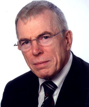Der promovierte Ingenieur Günter Pritschow war lange Zeit Rektor der Universität Stuttgart. Im April 2009 wurde er Gründungsbeauftrager des Hochschulcampus Tuttlingen