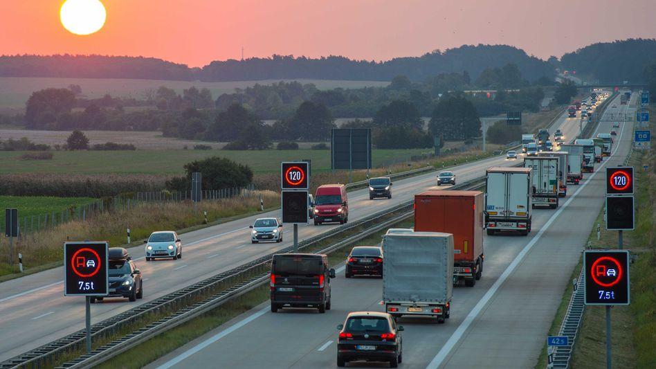 Wem gehört die Autobahn? Deutschland - zumindest grundsätzlich. Ein Gesetzesvorhaben soll Klarheit und Effizienz steigern