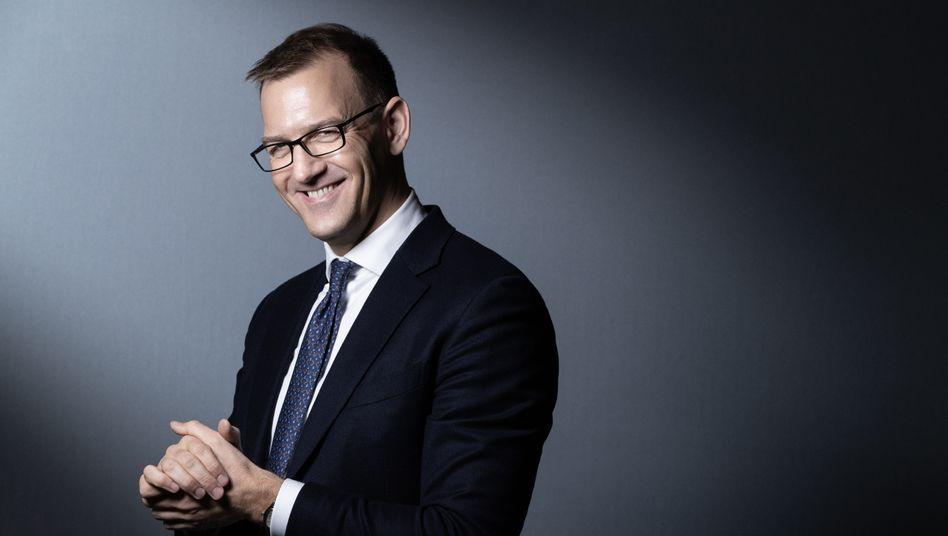 Angreifer:Daniel Křetínskýkam sicher auch das Machtvakuum bei der Metro zupass, um seinen Einfluss dort weiter auszubauen. Bei der Chefsuche will er mitreden.