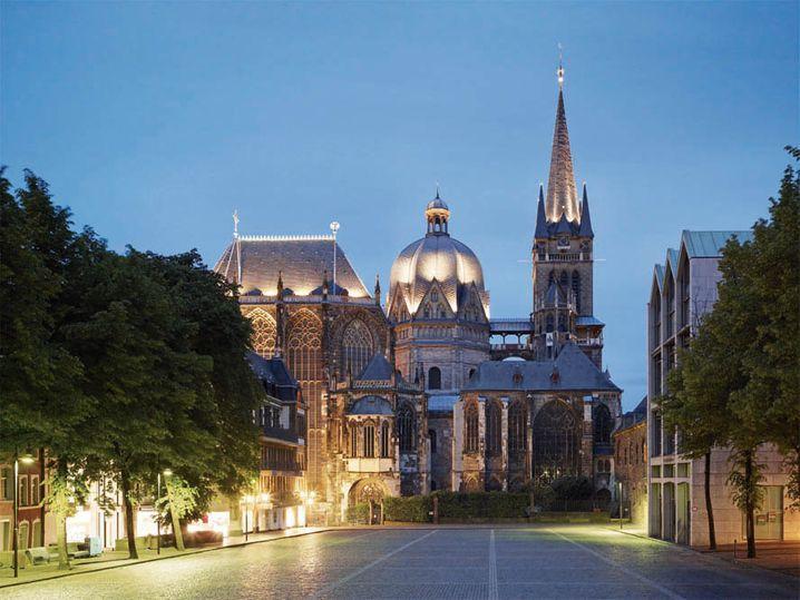 Der Aachener Dom, vom Katschhof aus gesehen