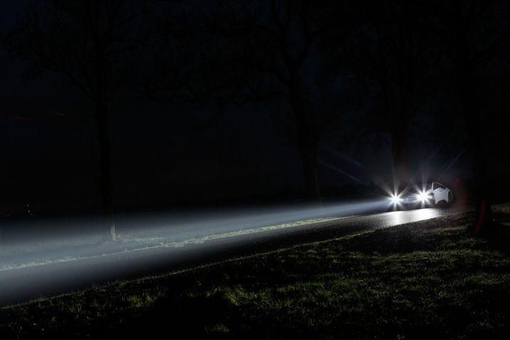 Laserlicht im BMW i8: Sensoren sehen weiter als die beste Lichttechnik für das menschliche Auge