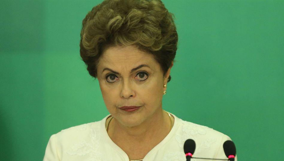 """In der Defensive: Präsidentin Rousseff erklärt, sie habe """"keine einzige illegale Tat"""" begangen"""