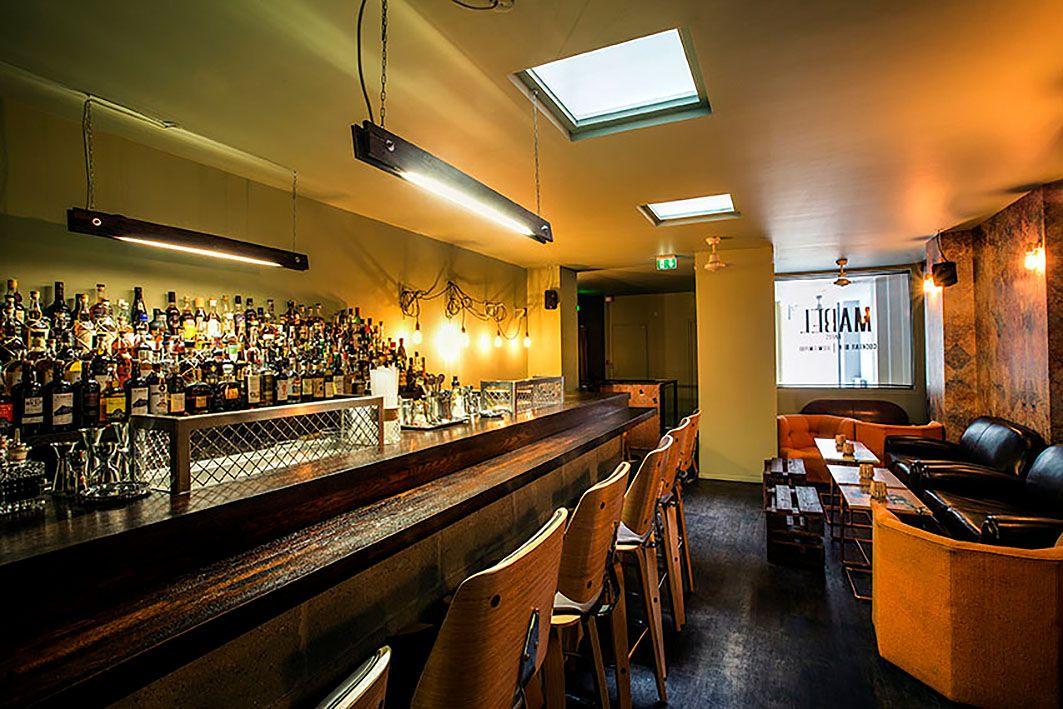 EINMALIGE VERWENDUNG Mabel, Paris, Cocktailbar