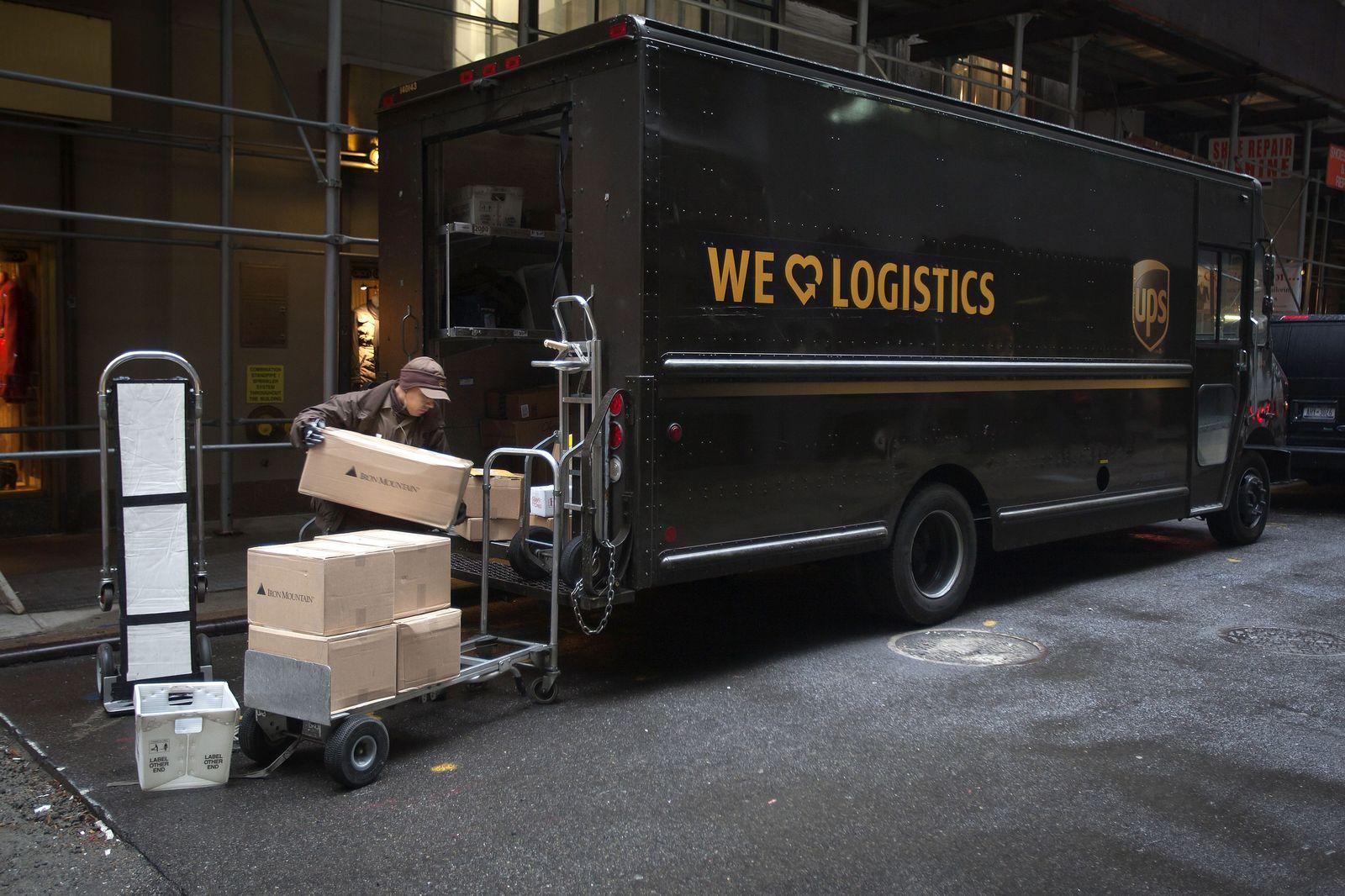 UPS; Packetzustellung in Manhattan, NYC