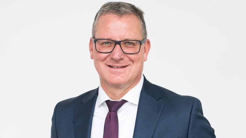 Martin Wambach: Als erfahrener Wirtschaftsprüfer soll Wambach anhand zur Verfügung gestellter Akten von EY klären helfen, welche Rolle die Prüfungsgesellschaft im Wirecard-Skandal womöglich spielte