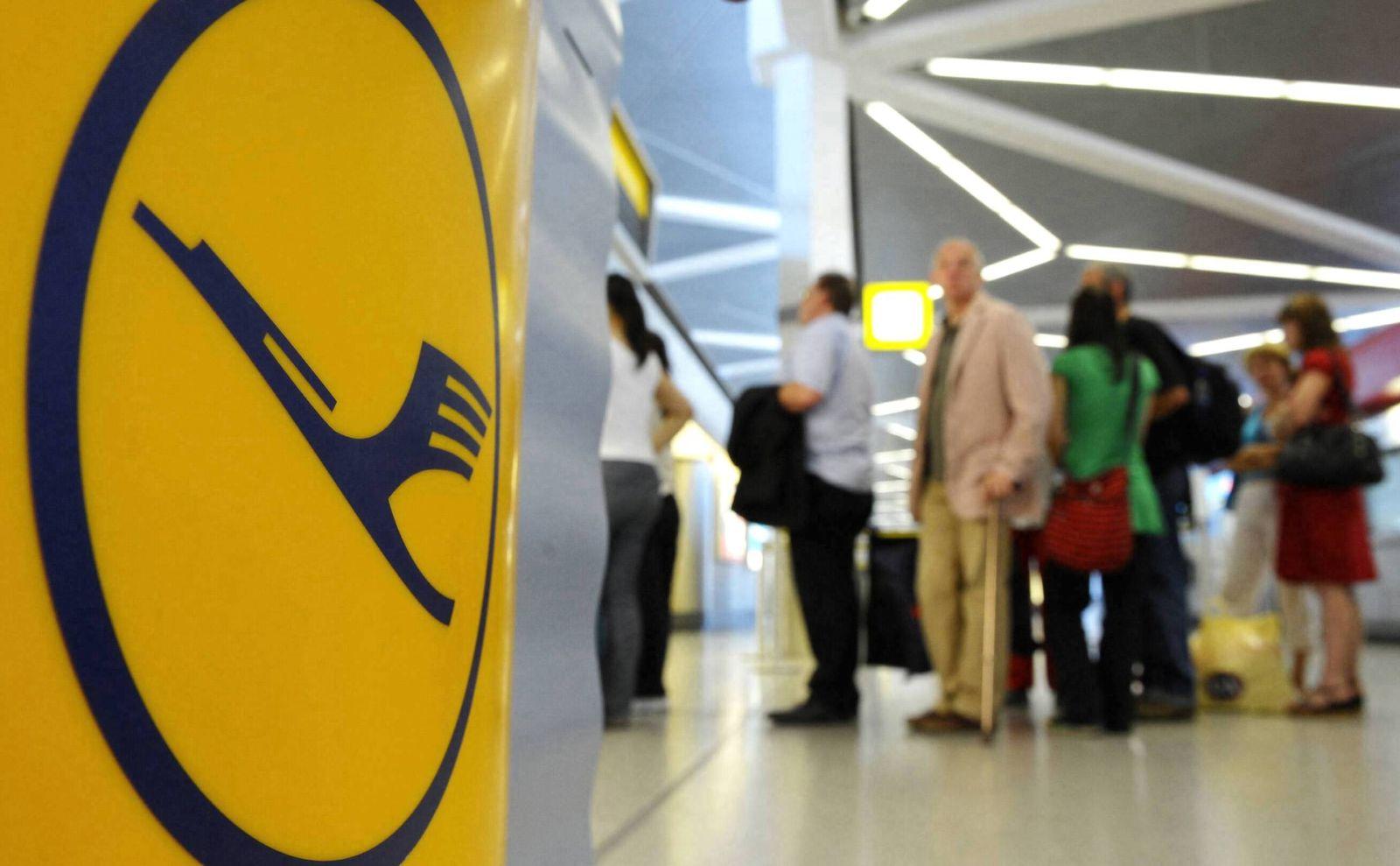 NICHT VERWENDEN Lufthansa / Logo / Warteschlange