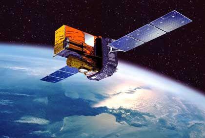 Übertragen Daten in zwei Richtungen: Im Orbit kreisen etwa 40 Satelliten, von denen Satlynx Kapazitäten mieten kann