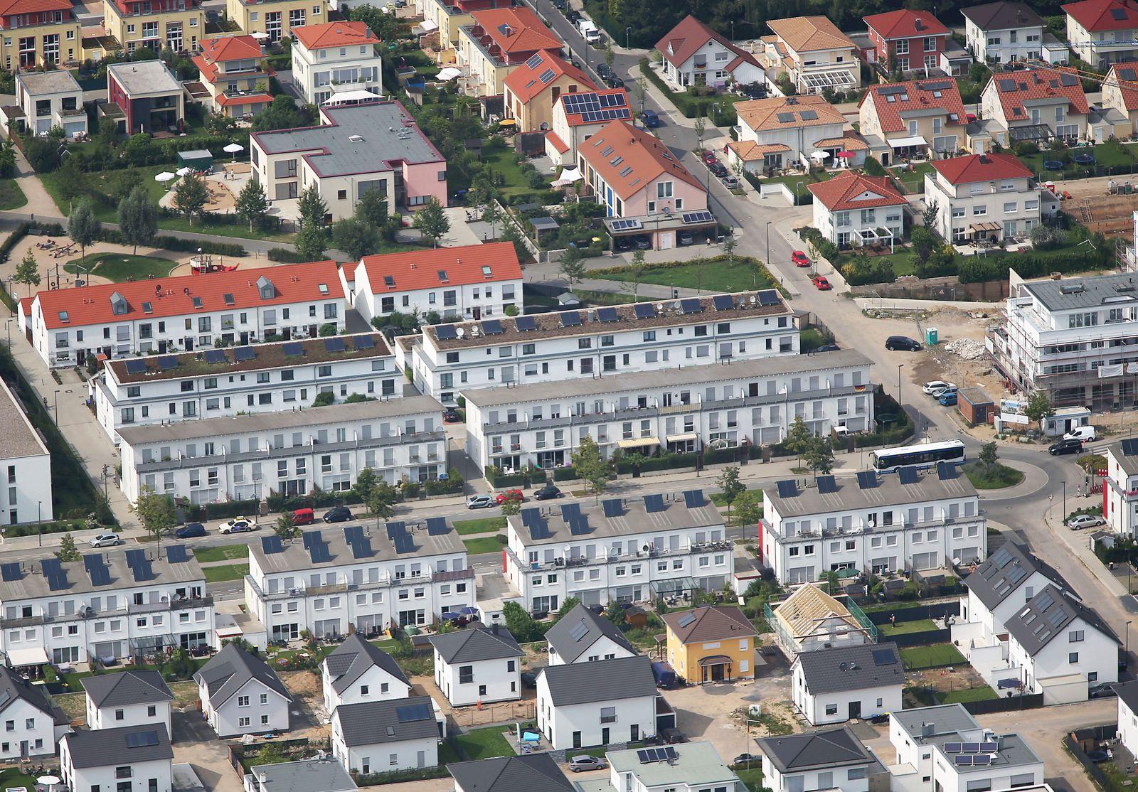 Neubausiedlung / Immobilien / Wohnhäuser