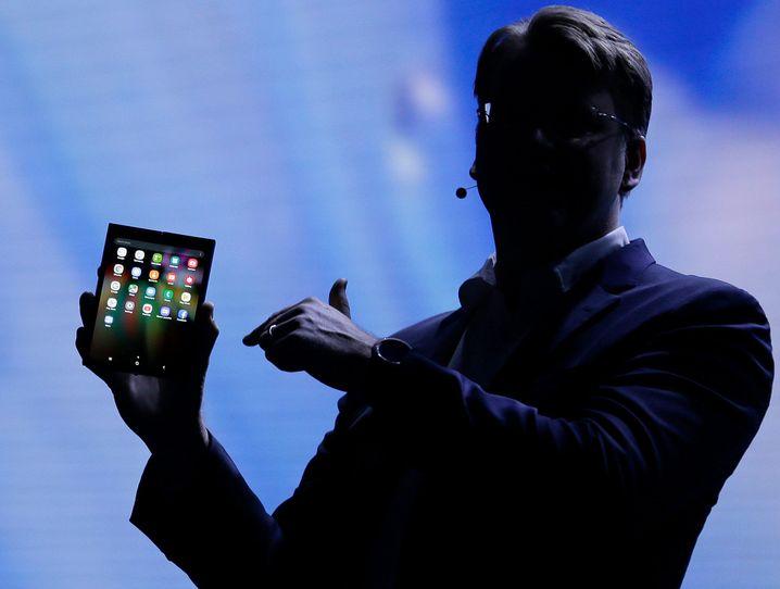 Samsung-Manager Justin Denison zeigte den Prototypen auf der Entwicklerkonferenz