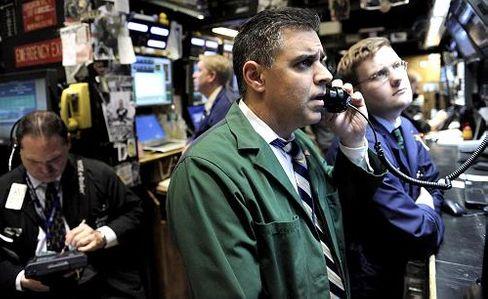 Händler an der New Yorker Börse: Auf Wochensicht verlor der Leitindex Dow Jones rund 3 Prozent, beim Dax sind es sogar 4,5 Prozent