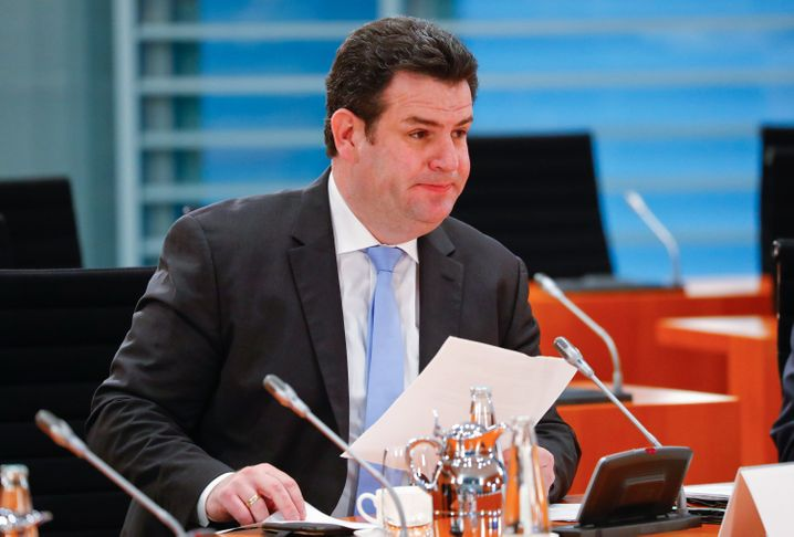 Laut Hubertus Heil (SPD), Bundesarbeitsminister, haben 470.000 Betriebe Kurzarbeit angemeldet