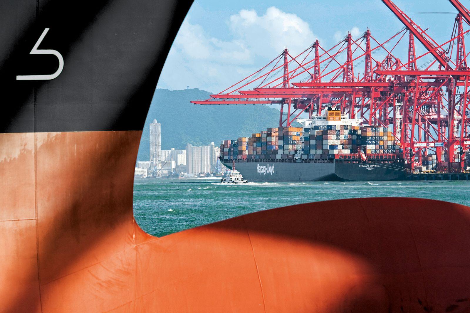 EINMALIGE VERWENDUNG Containerschiff / Export / Hong Kong