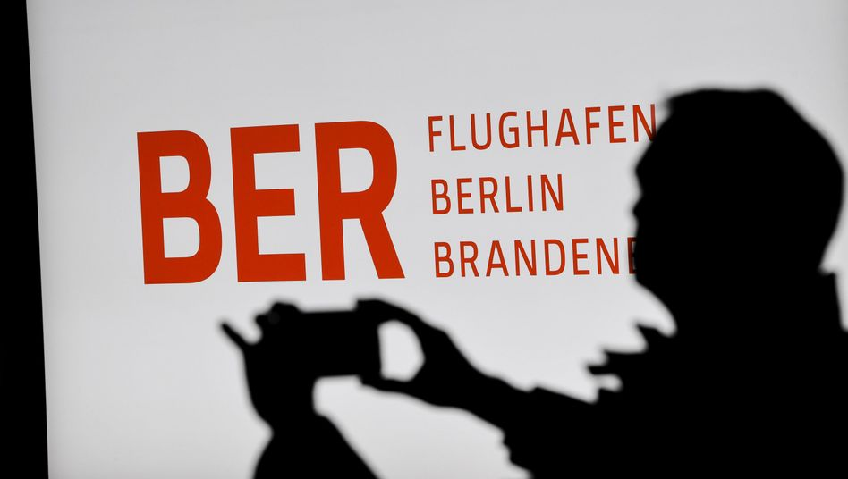 Flughafen Berlin Brandenburg: Mit neun Jahren Verspätung darf der neue Hauptstadtflughafen am 31. Oktober eröffnen - mitten in der Corona-Krise, wo er eigentlich gar nicht gebraucht wird