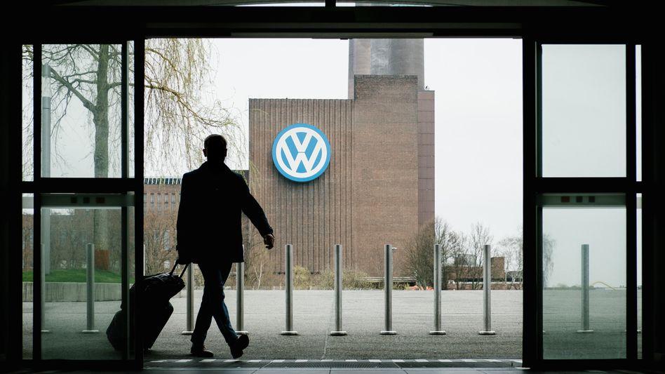 VW-Zentrale in Wolfsburg: Da kommt neuer Ärger auf VW zu